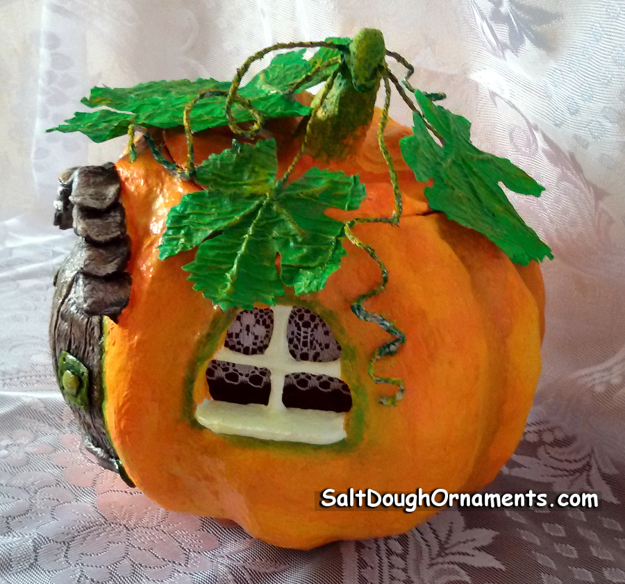 fairy pumpkin house - side view